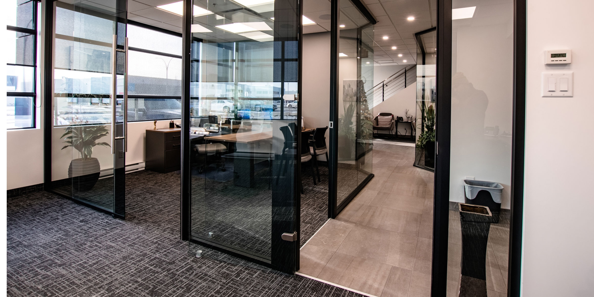 Office with Starwall integrated wall system walls